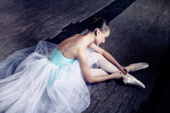It's Nutcracker Season! Tips for Dancers to Avoid Foot and Ankle Injuries